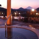 寒い時期にもオススメ!二次会景品、年明けで「温泉旅行」が人気!!と、その理由。
